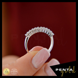 Penta Gold - 14 Ayar Altın Onbir Taş Yüzük 0,45 ct. Swarovski Taşlı