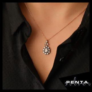 Penta Silver - Elmas Montür Damla Çiçek Gümüş Kolye