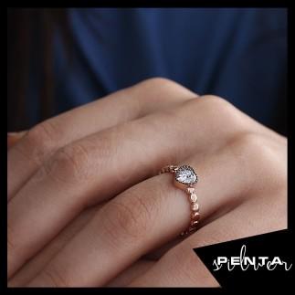 Penta Silver - Elmas Montür Kalpli Gümüş Yüzük
